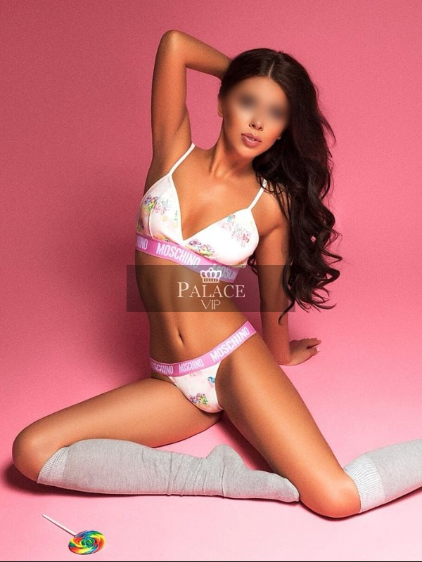 Viky, Outcall Only, Hungarian Escort