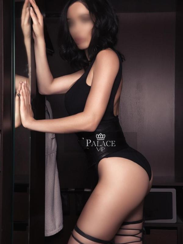 Victoria, International Travel, Swiss Escort